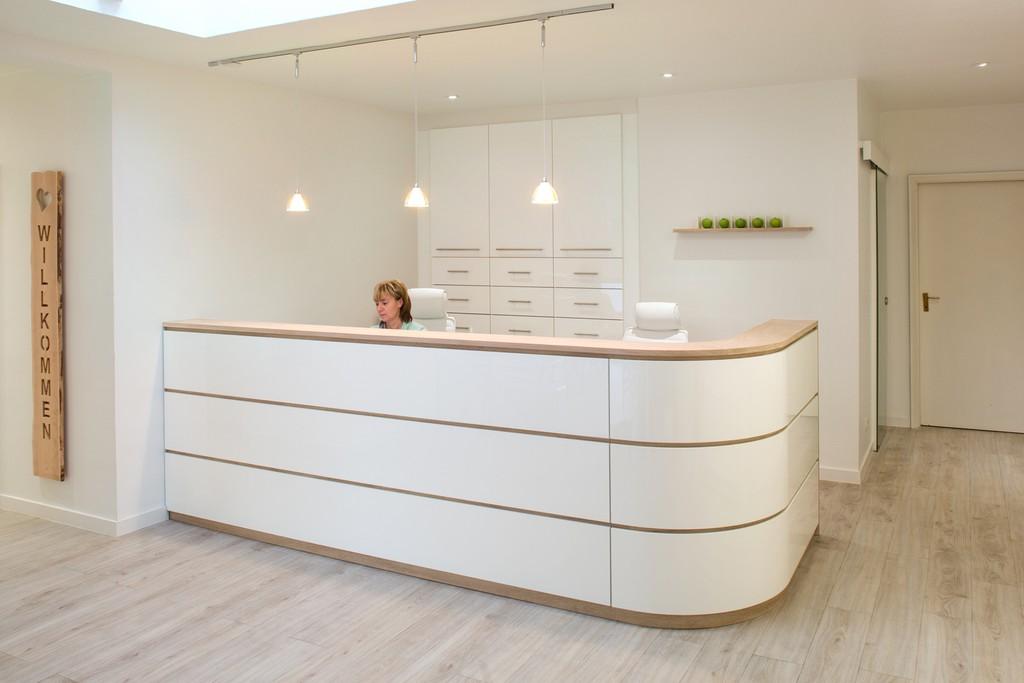 tresen und counter m bel und einrichtung tischlerei baum und s hne m bel raum design. Black Bedroom Furniture Sets. Home Design Ideas